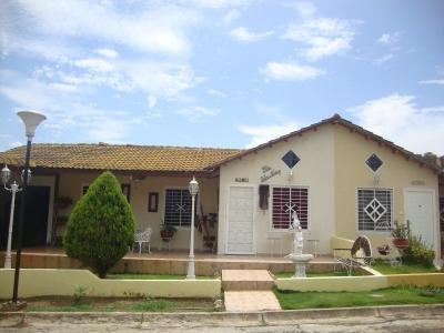 En Venta Hermosa Casa Ubicada En Guayana Country