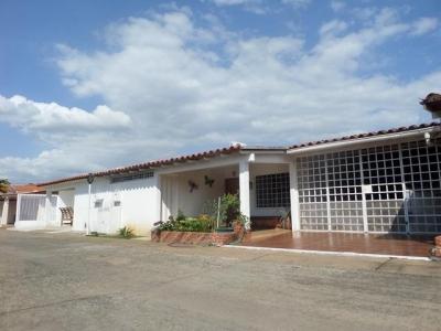 Se vende casa en Urbanización Los Mangos, Pto. Ordaz
