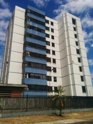Se Vende Apartamento en Res. Puerto Ordaz Suites Alta Vista