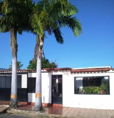 En venta amplia y cómoda casa en Las Mercedes