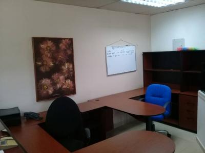 Oficina en Villa Alianza
