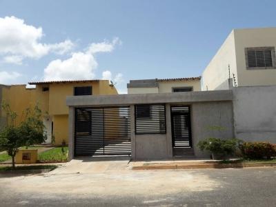 Vendo casa en Res las Delicias Sector Terrazas del Caroni