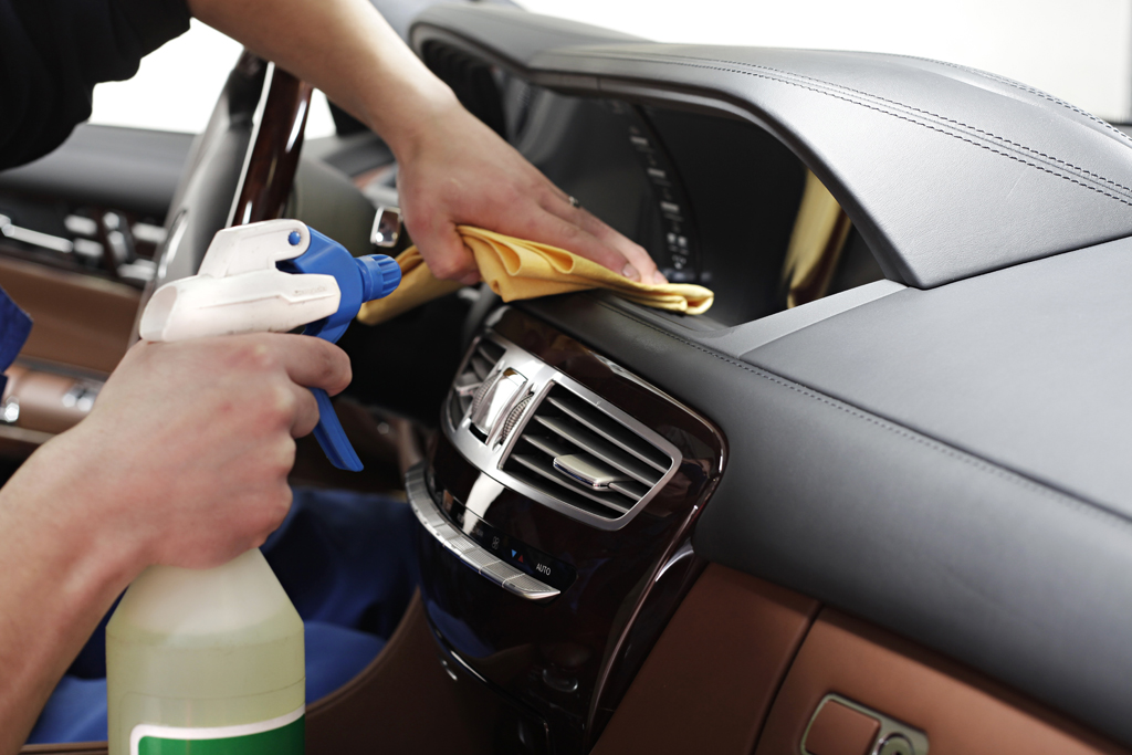 5 Tips To Perfectly Clean Your Cars Interior