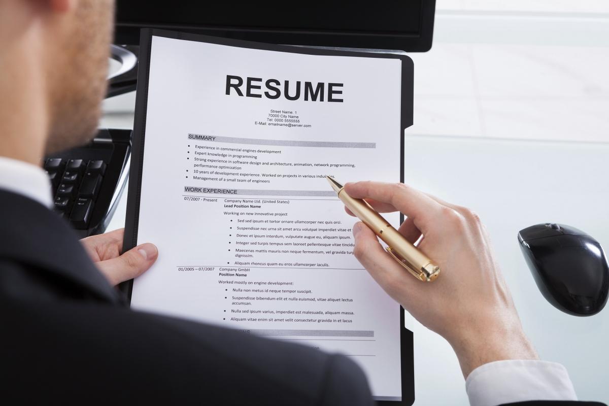 should you dumb down your resume to get a job insideiim com should you dumb down your resume to get a job
