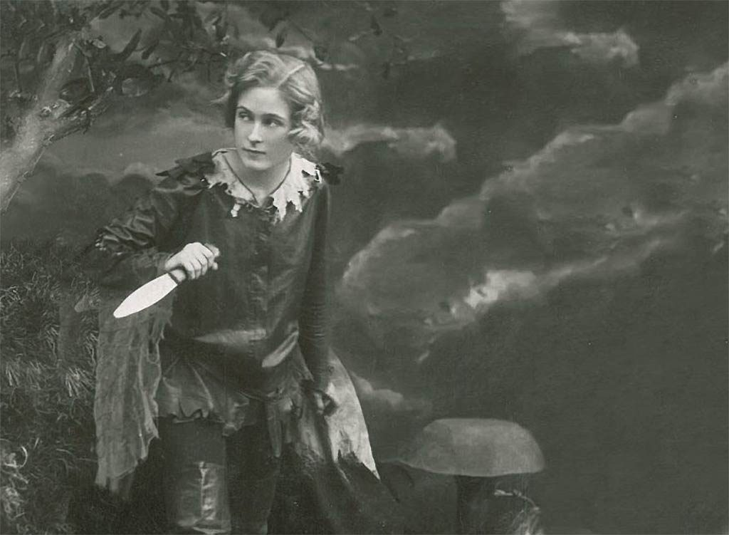 Paulin Chase as Peter Pan