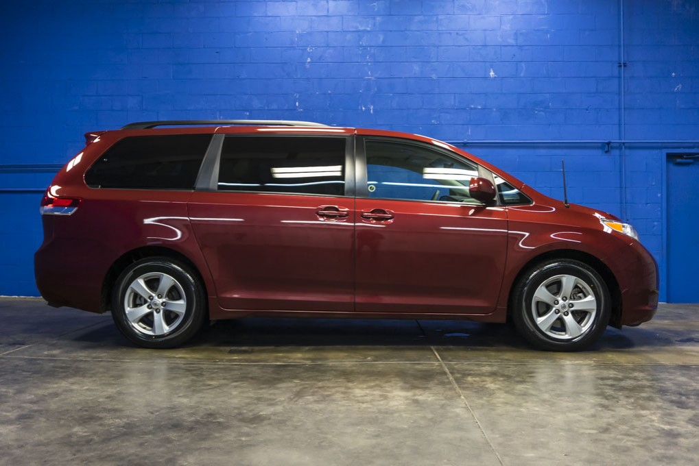 2014 Toyota Sienna Le Cars Trucks By Owner Vehicle Autos Post