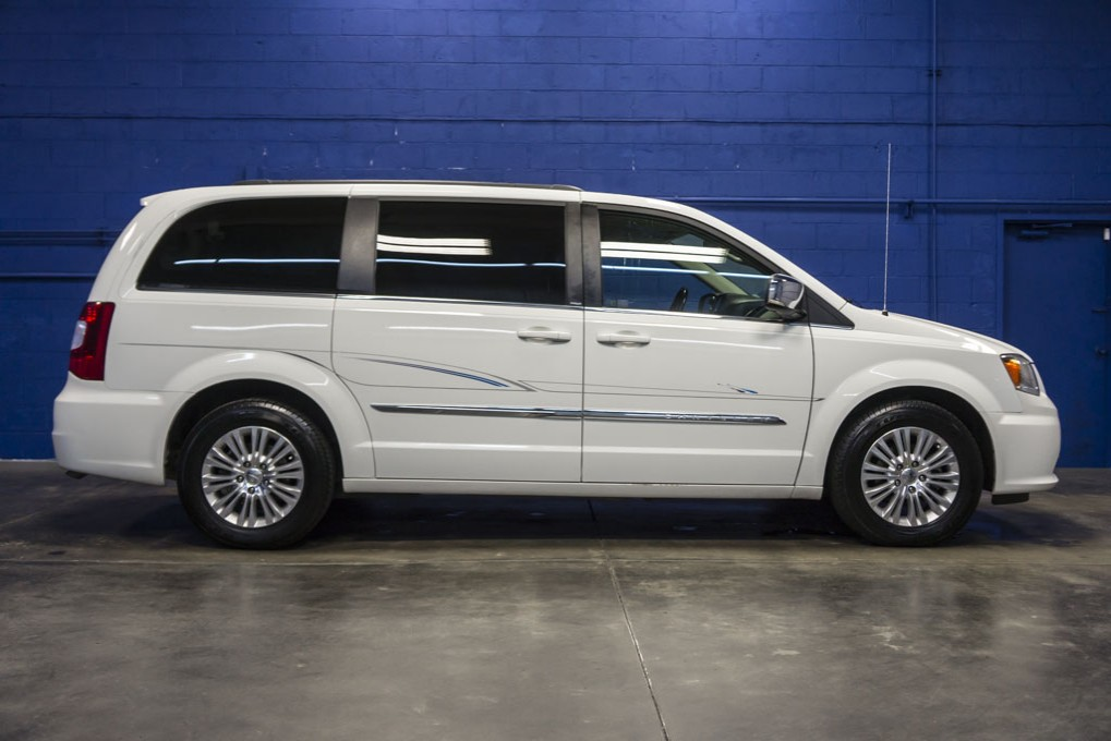 2011 chrysler town and country touring fwd. Cars Review. Best American Auto & Cars Review