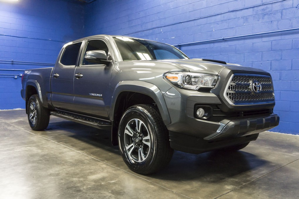 2016 toyota tacoma. Black Bedroom Furniture Sets. Home Design Ideas