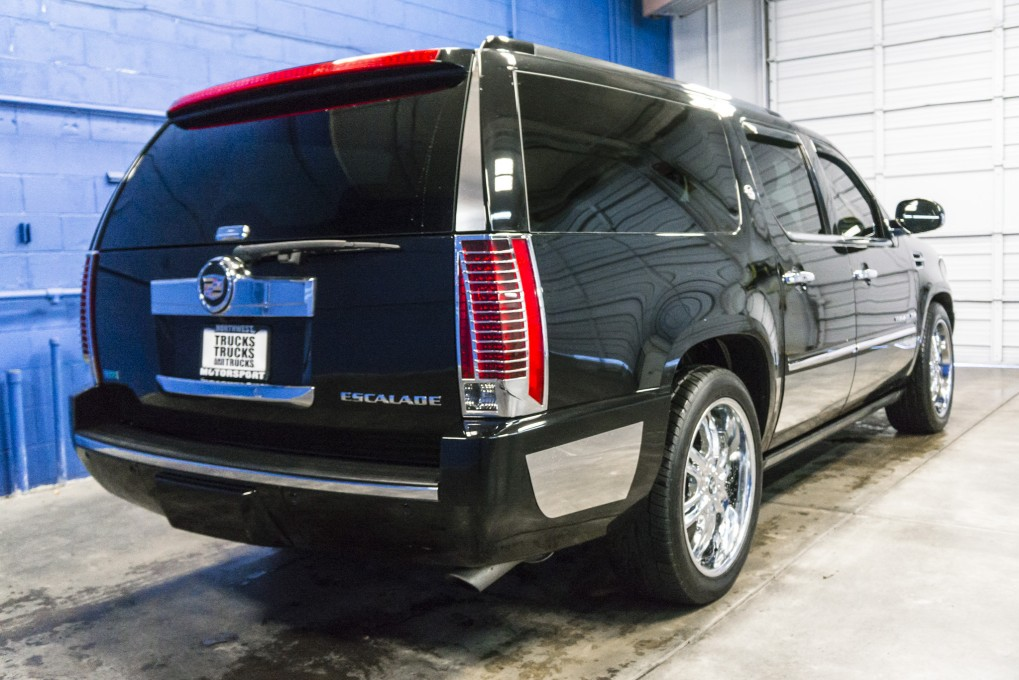 2010 cadillac escalade. Black Bedroom Furniture Sets. Home Design Ideas