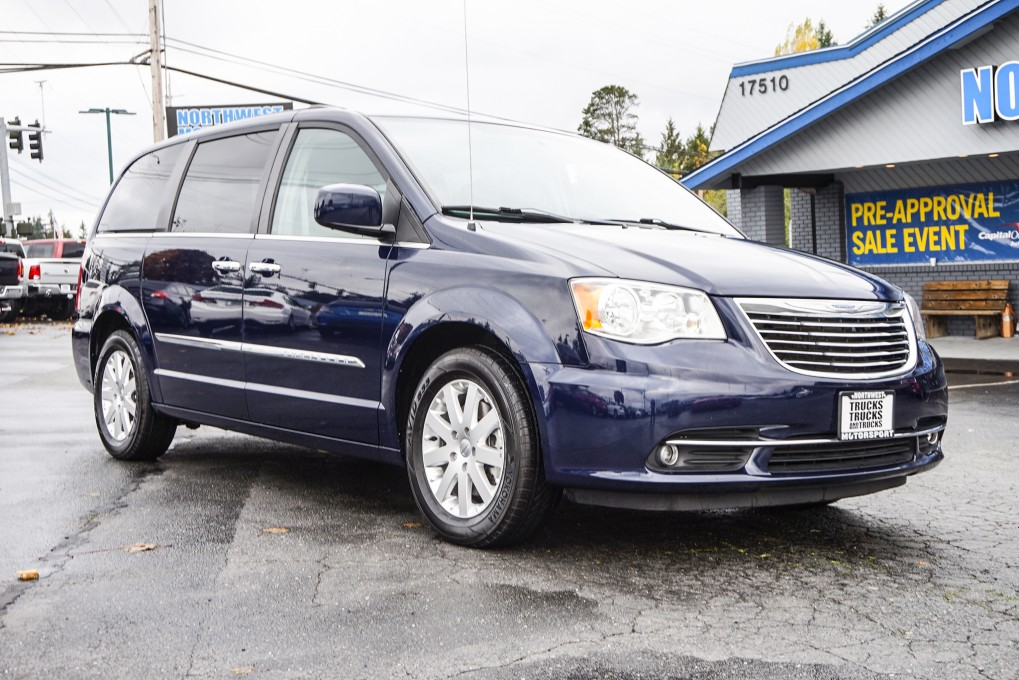 2015 chrysler town and country. Black Bedroom Furniture Sets. Home Design Ideas