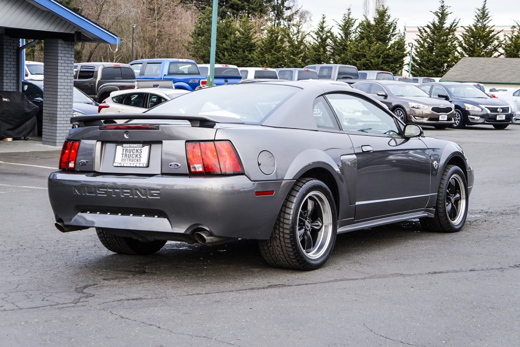 2004 Ford Mustang GT RWD