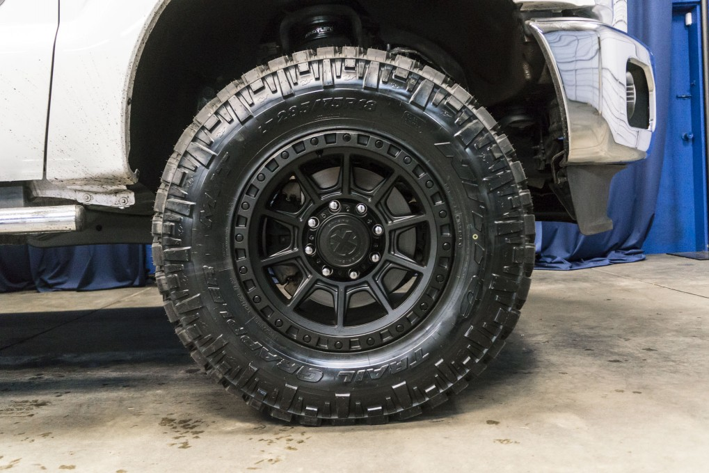 Lifted 2014 Ford F-350 Lariat 4x4