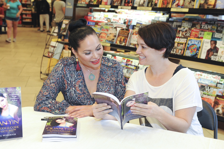 Radhaa Nilia Book Signing