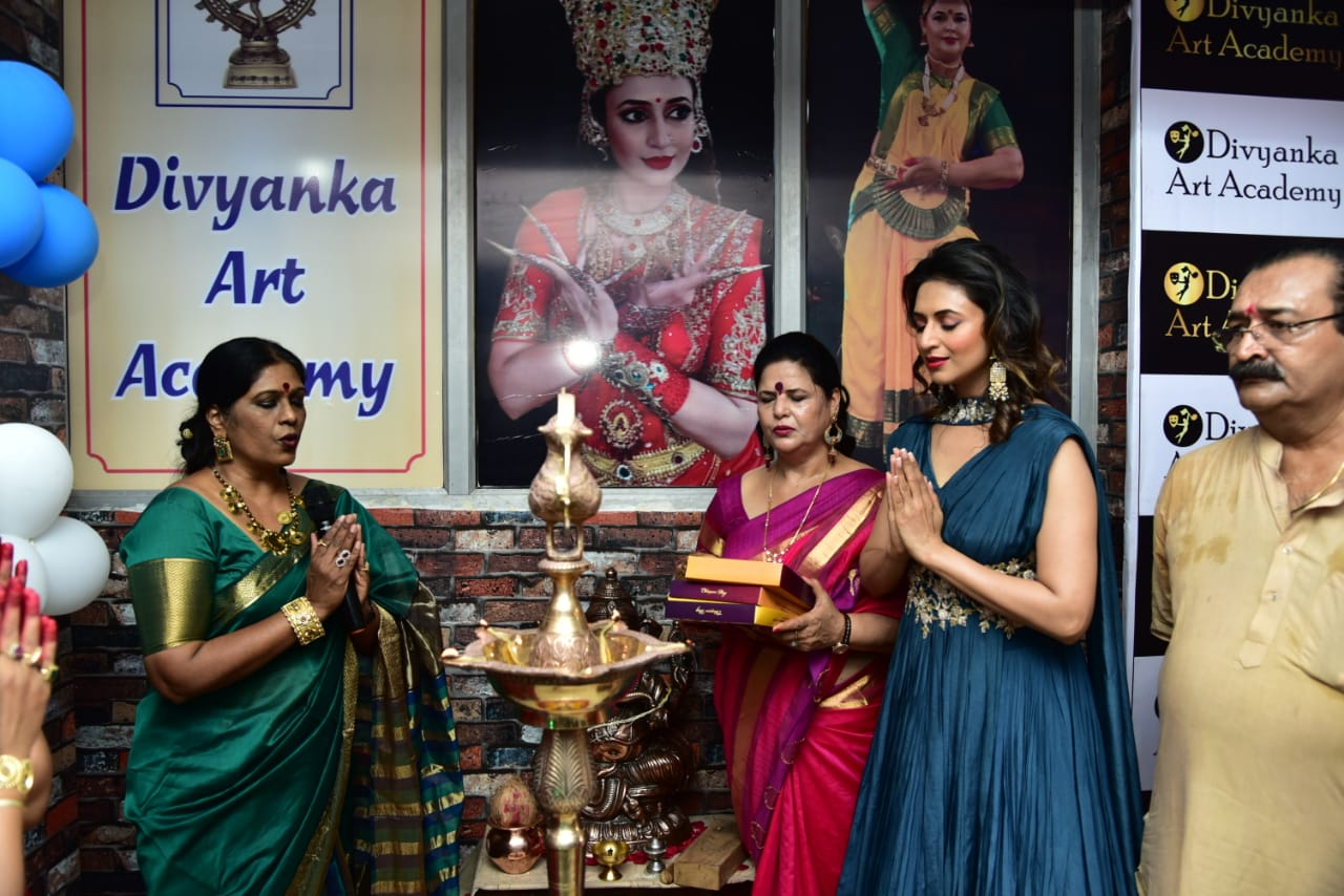The top actress in TV world and State icon of Madhya Pradesh Divyanka Tripathi Dahiyavisited Bhopal to inaugurate