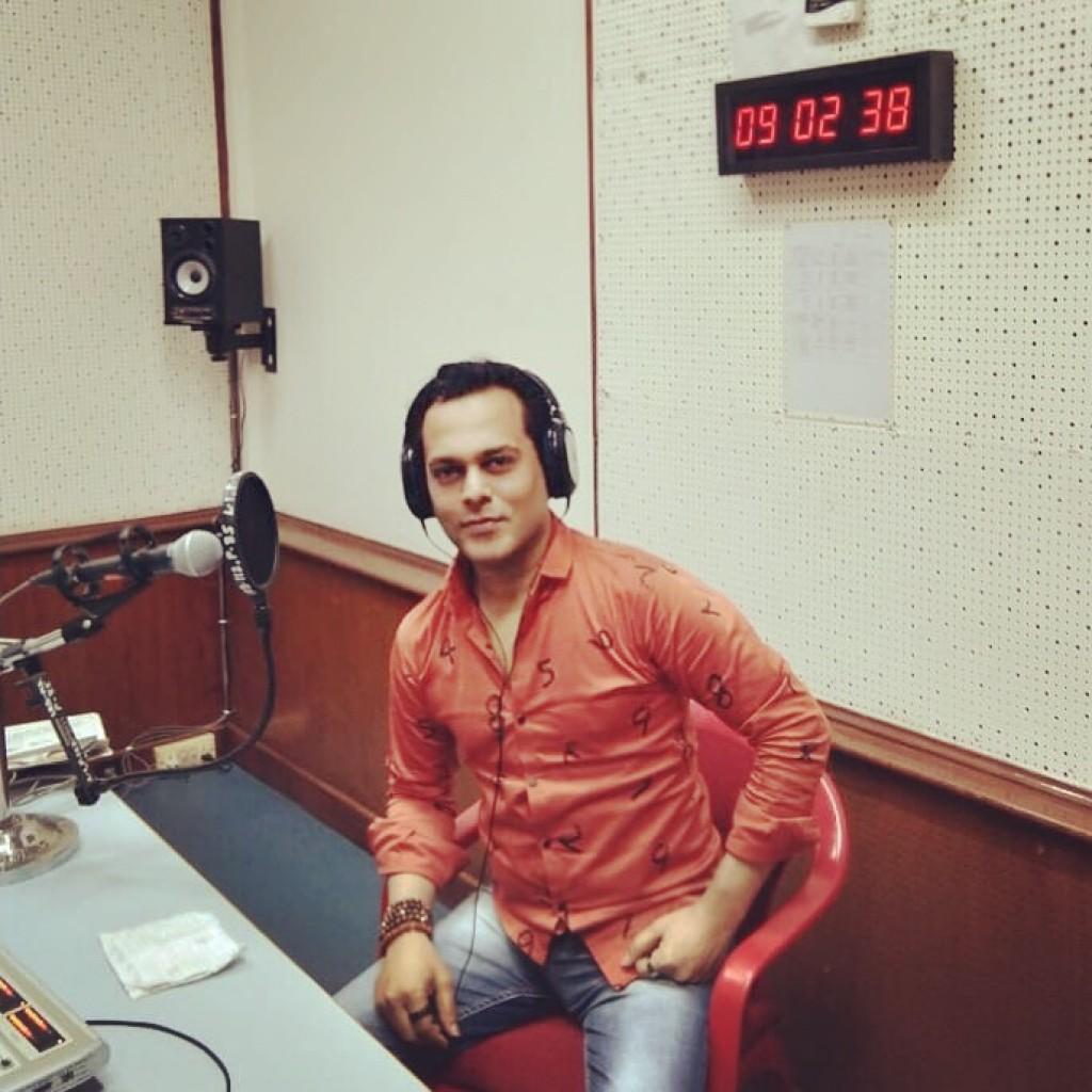Viveck ShettyyatFM Rainbow Studio