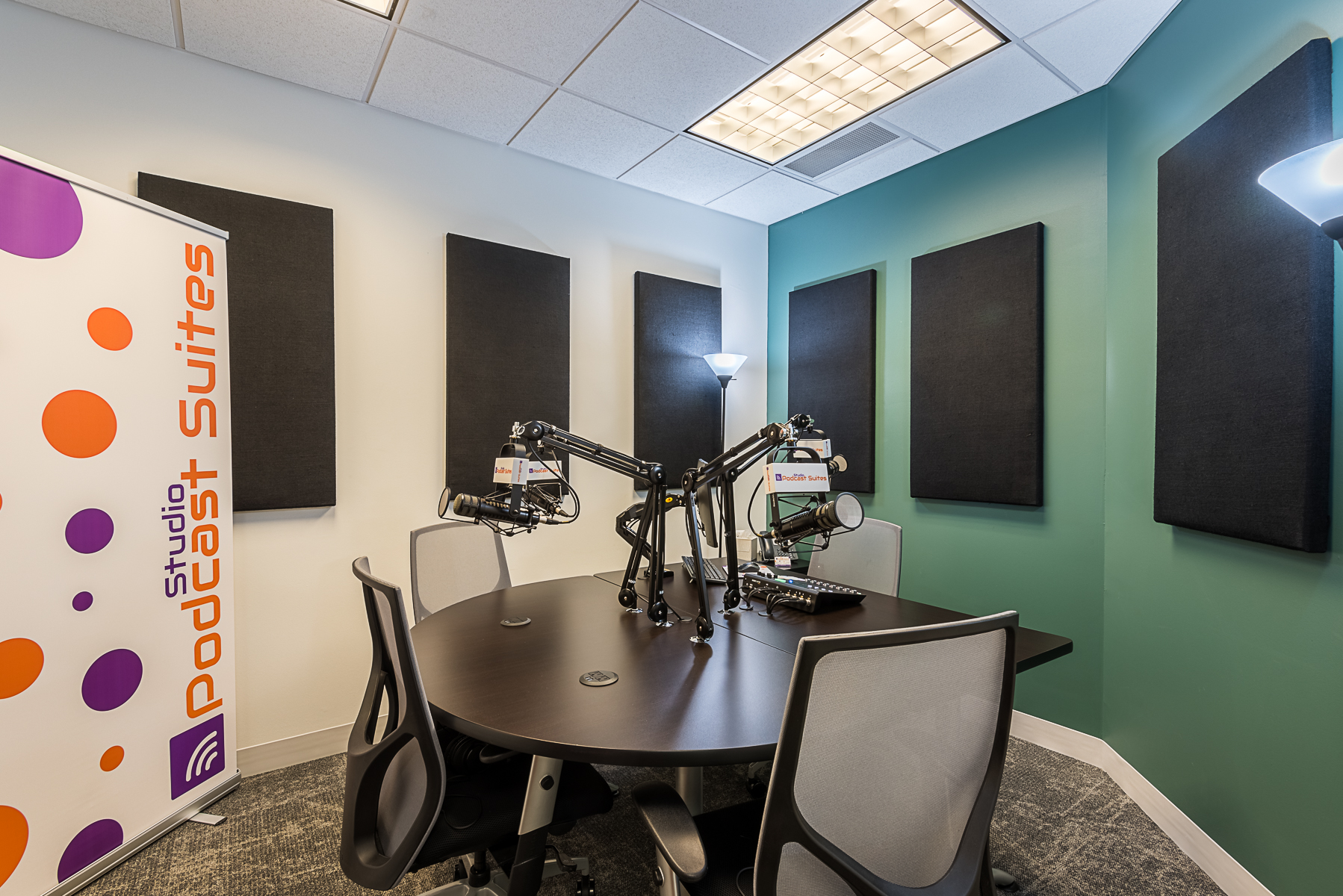 Studio Podcast Suites