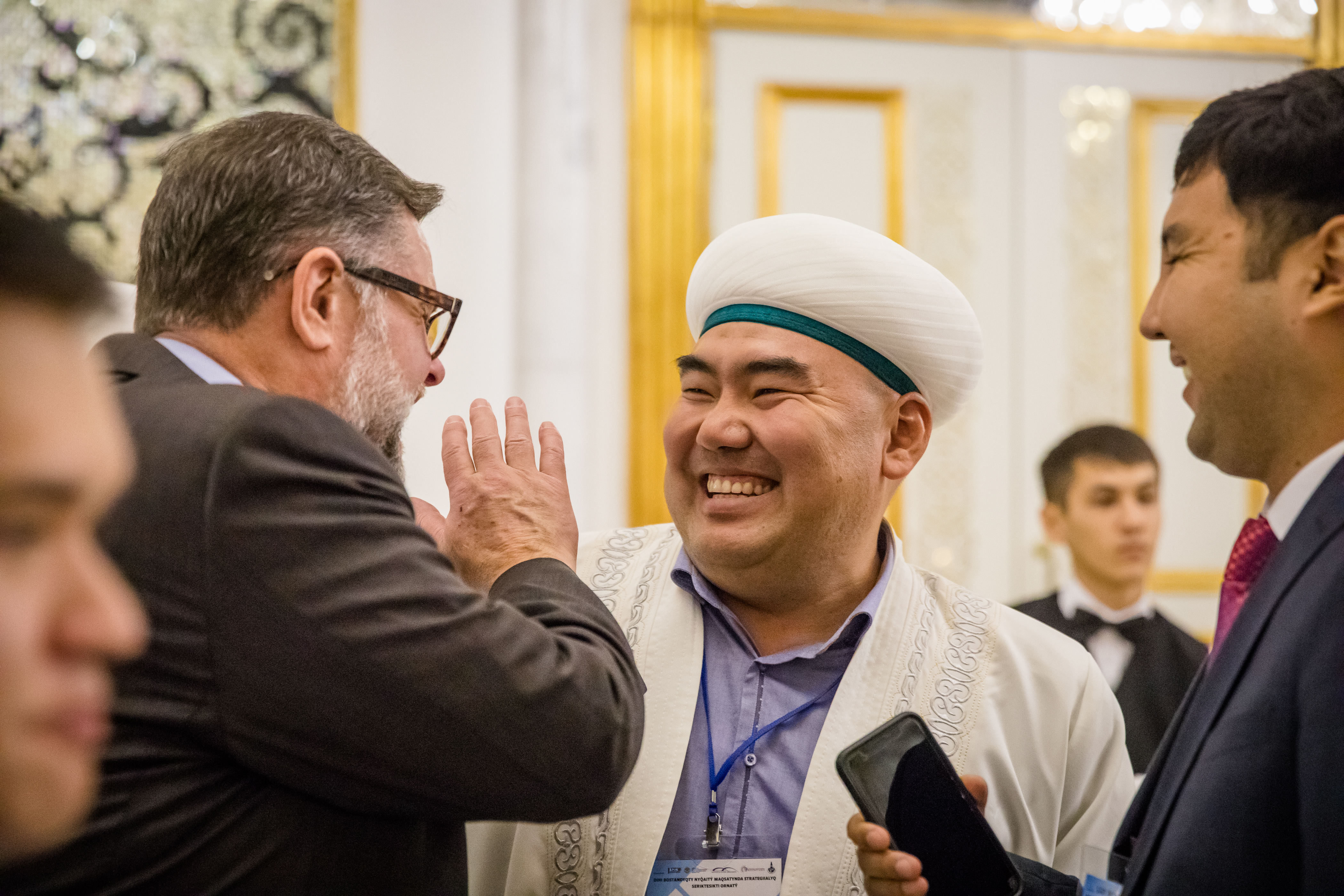 Bob Roberts Jr along with Muslim leaders