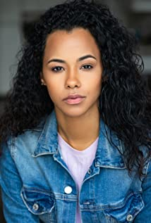 Phylicia Morgan plays a mysterious voice on the radio and ultimately gives DJ Taz meaning to his life in AM Radio starring Omar Gooding as DJ Taz