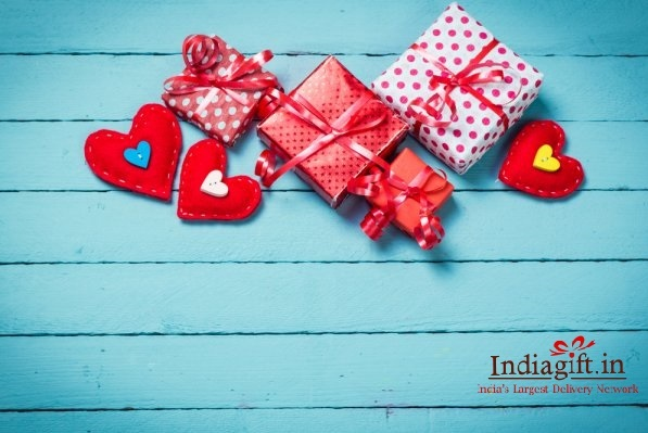 Indiagift To Initiate A Love Campaign Featuring Valentine Week Gifts