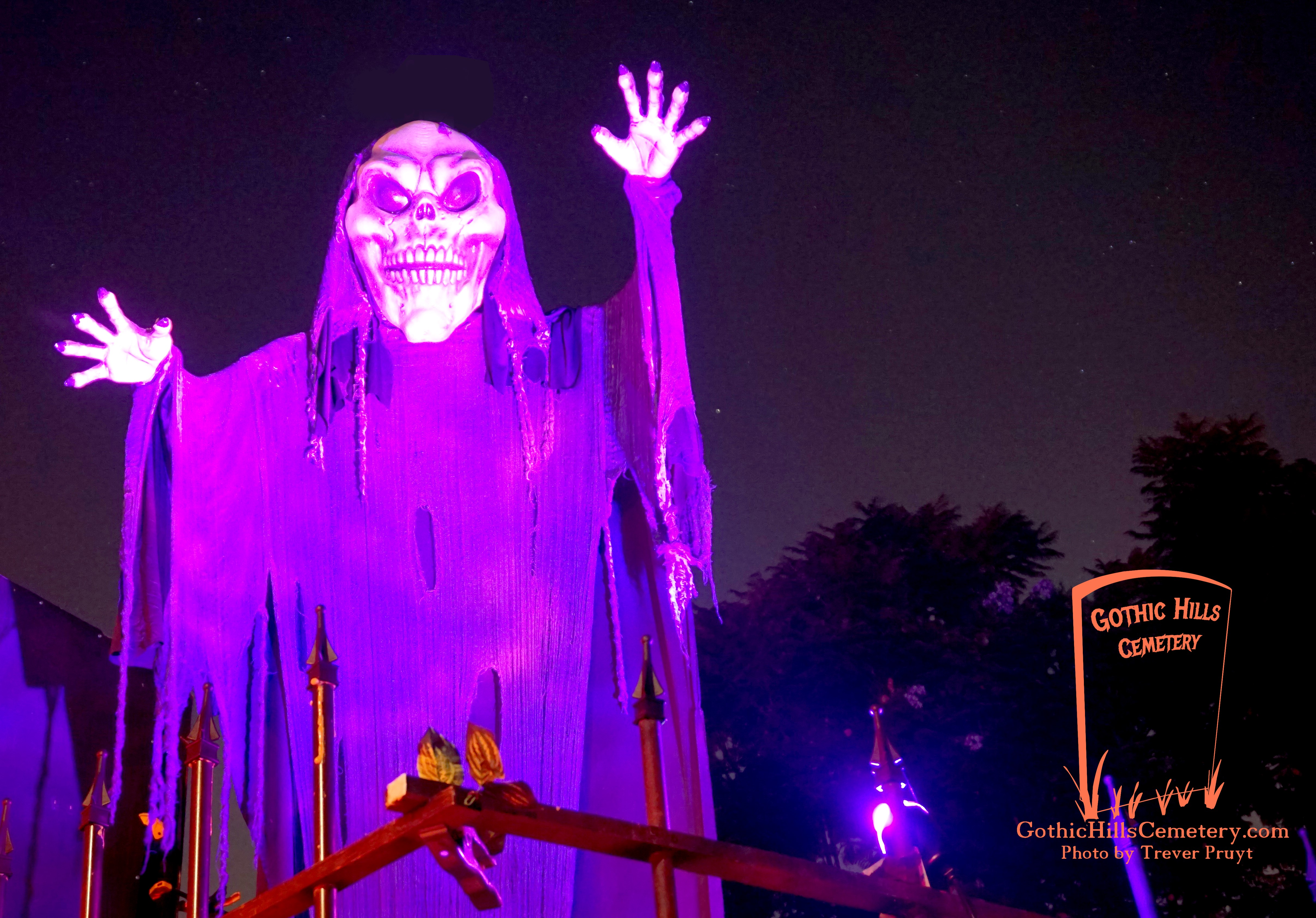 Gothic Hills Cemetery Haunted House