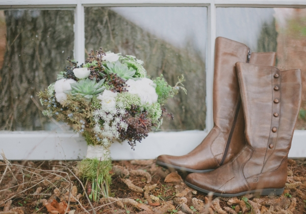 Cozyoregonwinterweddingins_andjarfly_emily_g_photography_greenshoot100_low