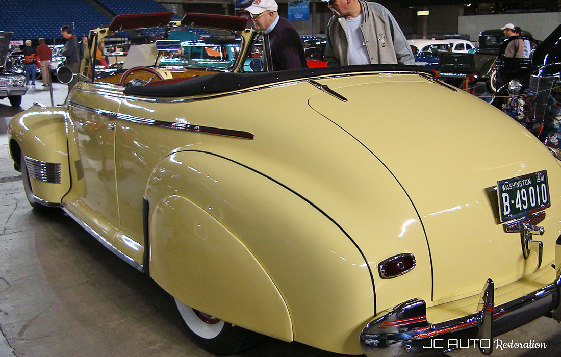 Back view of 1941 Chevrolet Convertible