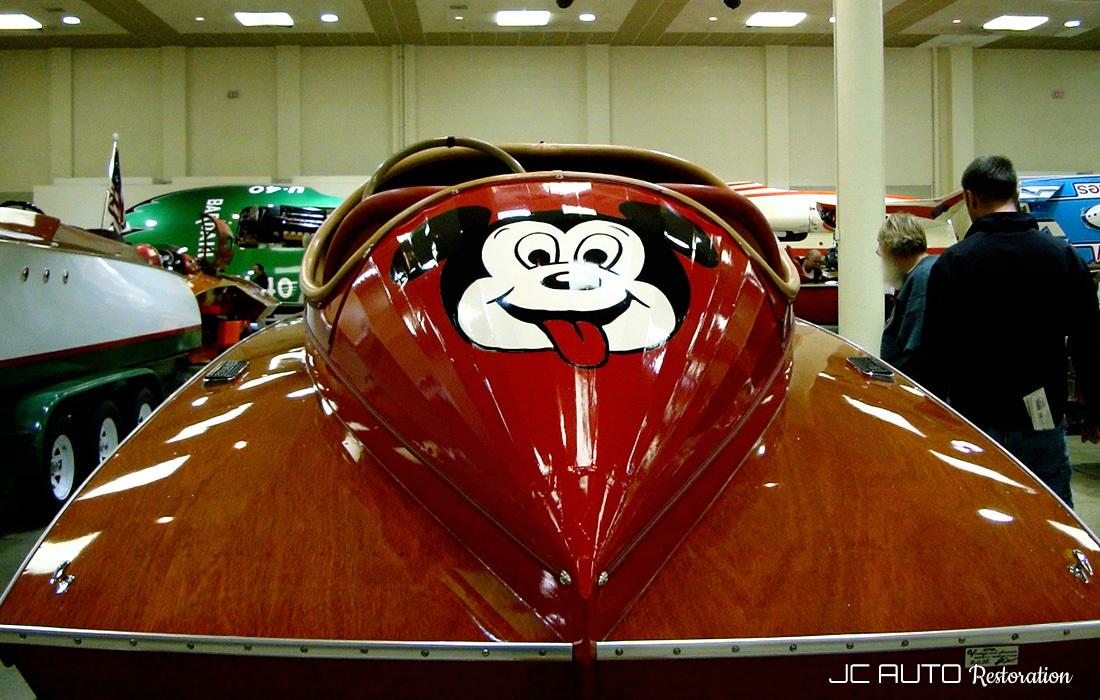 Vintage hydroplane show