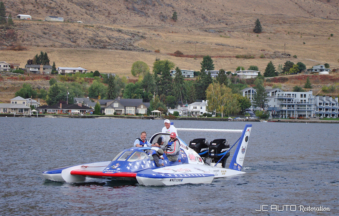 Jeff coming back in after an exciting ride on the hydroplane