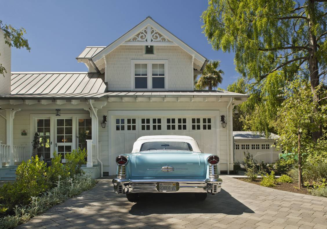 The owner's pride and joy:  a1957 Oldsmobile in robin's egg blue which set the character and coloring for the house.