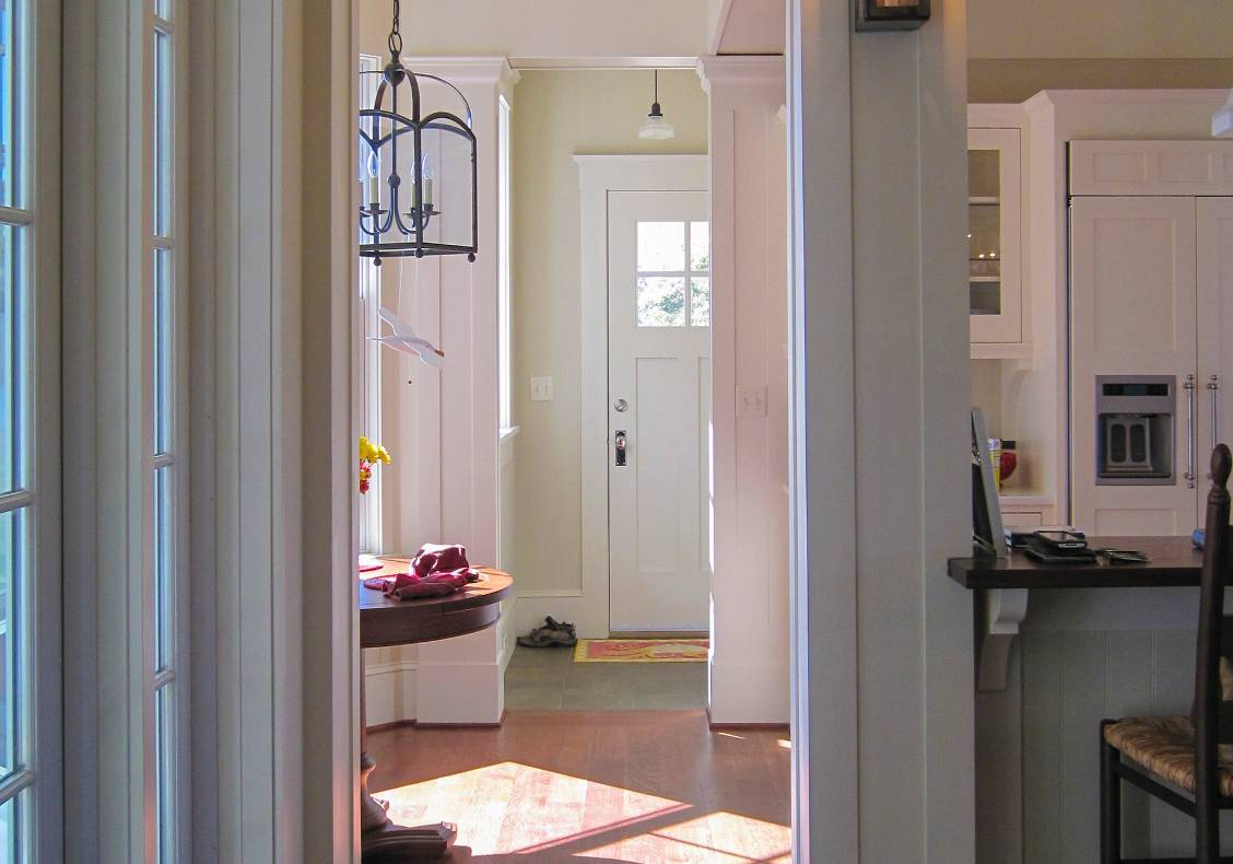 Custom-milled trim, profiles and wainscot recall the character of the wooden boats that once plied the Chesapeake Bay.