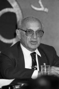 経済学者 ミルトン・フリードマン 写真 1