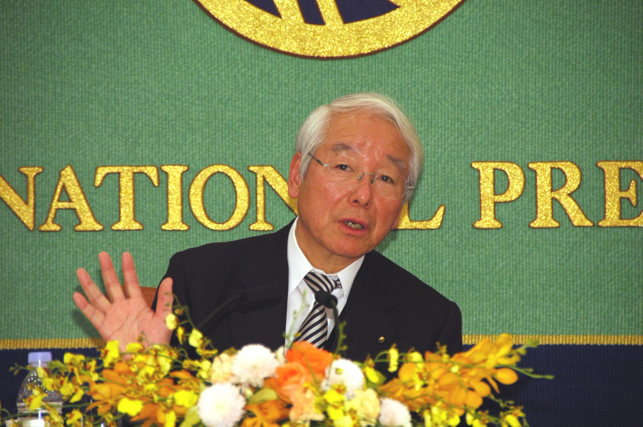... ・兵庫県知事 井戸敏三 写真 1