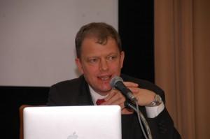 トーマス・コーベリエル・自然エネルギー財団理事長 写真 2