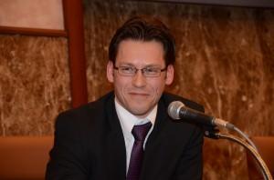 フィンランドの原子力規制センター所長、オンカロ管理会社広報部長、エネルギー政策担当者 写真 3
