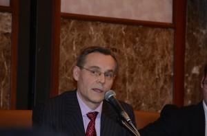 フィンランドの原子力規制センター所長、オンカロ管理会社広報部長、エネルギー政策担当者 写真 5