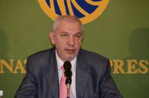 駐日大使 イーホル・ハルチェンコ 写真 1