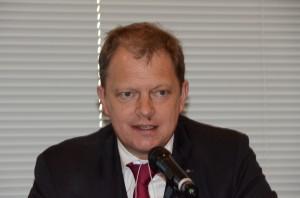 自然エネルギー財団理事長 トーマス・コーベリエル 写真 2
