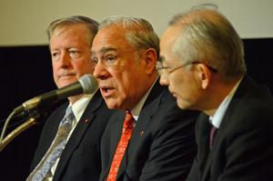 アンヘル・グリア OECD事務総長 写真 4