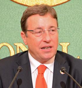 アヒム・シュタイナー 国連開発計画総裁 会見  写真 1