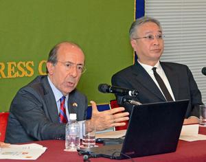 ゴンサロ・デ・ベニト 駐日スペイン大使 会見 写真 3