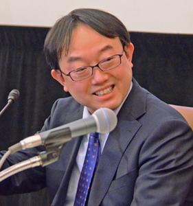 「2018年経済見通し」(3)日銀超緩和策の副作用と2018年の世界経済 加藤出 東短リサーチ社長 写真 2