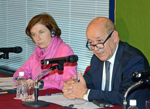 フランスのル・ドリアン欧州外務大臣とパルリ軍事大臣 写真 1