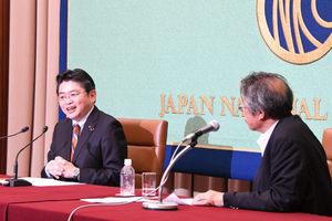 「野党に聞く」(1) 吉川元・社民党幹事長、選対委員長 写真 3
