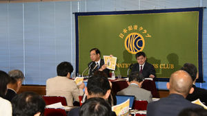 「野党に聞く」(4) 志位和夫・日本共産党委員長 写真 4