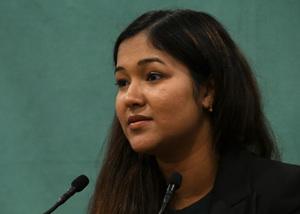 ウェイウェイ・ヌー・ミャンマー人権活動家 会見 写真 2