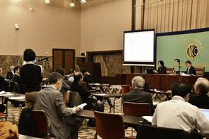 「雇用問題研究会」(2) 「日本型雇用」を考える 小熊英二・慶應義塾大学教授 写真 4