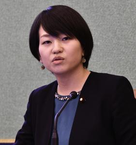 「次の10年 若手政治家に問う」(3) 鈴木貴子・衆議院議員(自由民主党) 写真 2