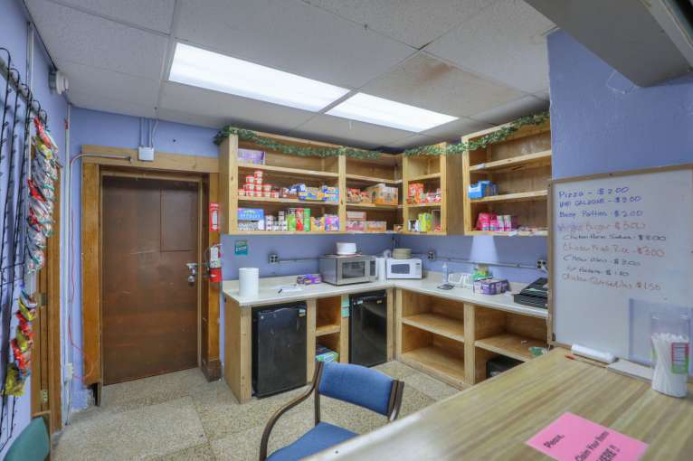 Delaware_Student_Store43