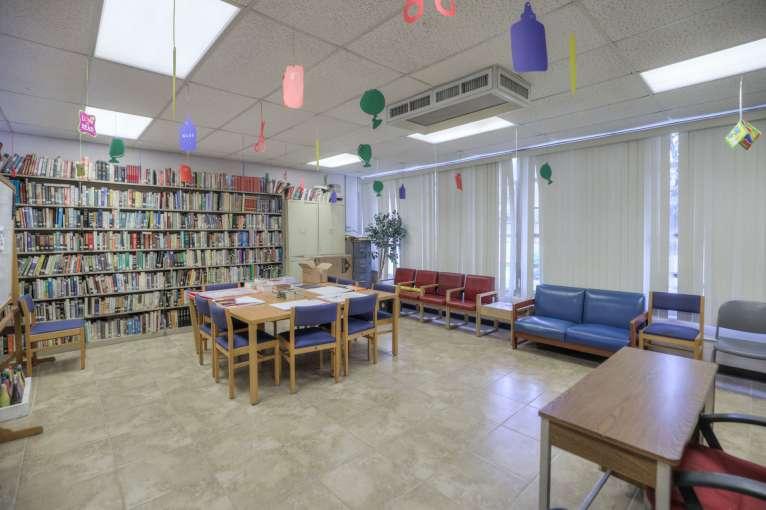 Laredo_Library51