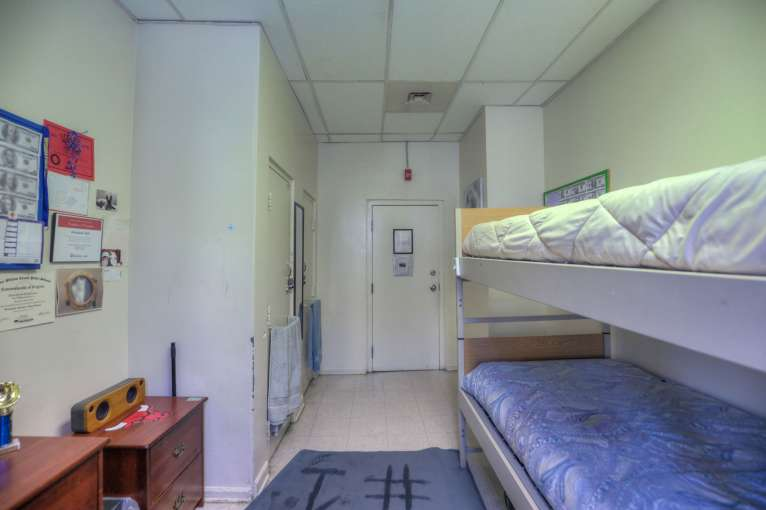 Woodstock_Dorm83